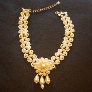 Vintage faux pearl choker necklace.